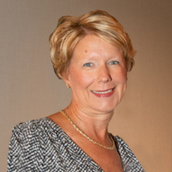 Lisa M Kress
